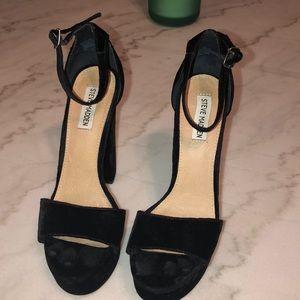 Steve Madden Gonzo Black Velvet Platform Sandal